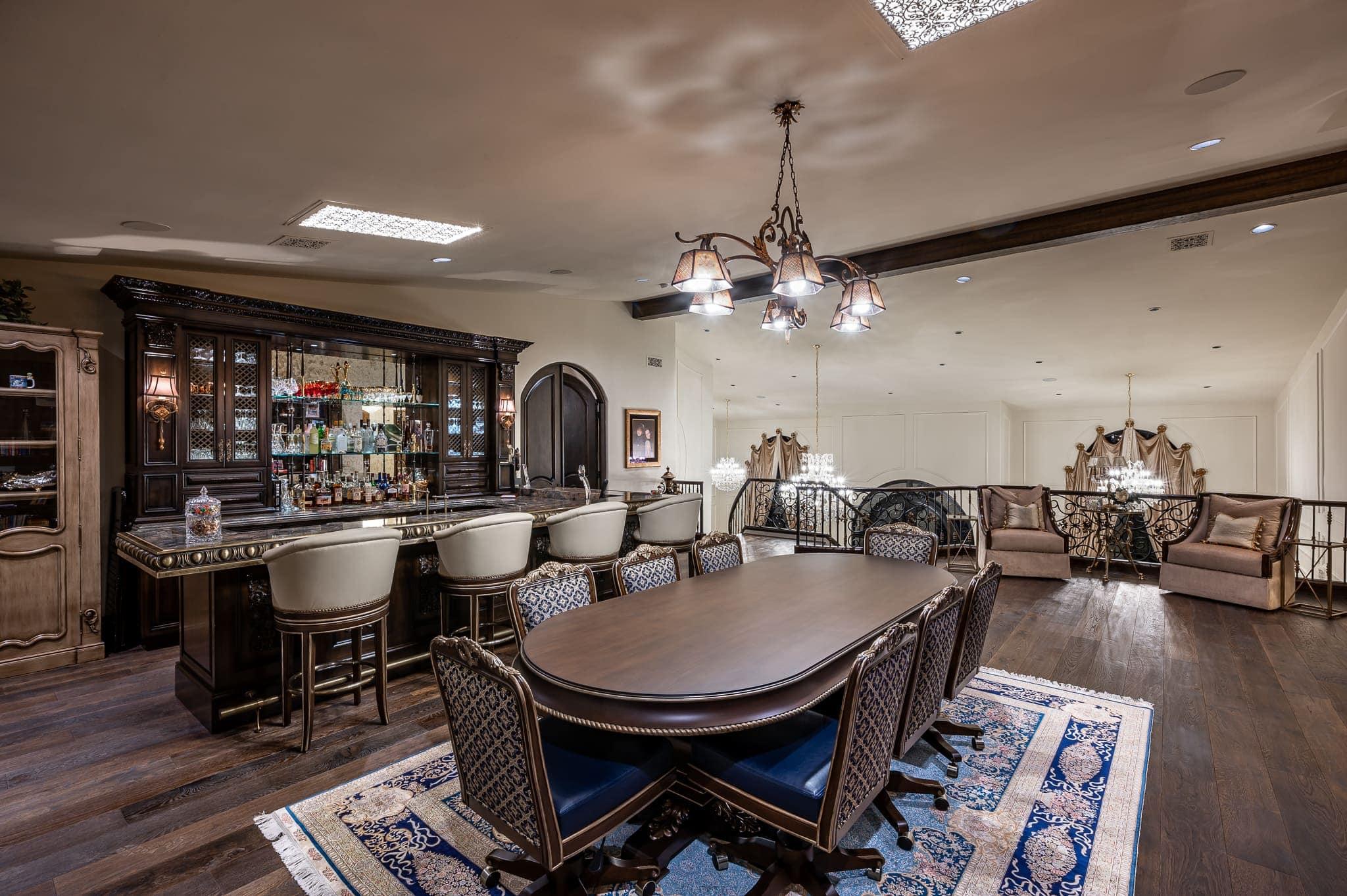 paradise villa loft dining